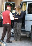 Celebrities Wonder 21813964_pregnant hilary duff at the montage beverly hills hotel_5.jpg