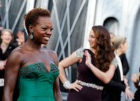 Celebrities Wonder 44464111_viola-davis-2012-oscar_7.jpg