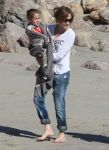 Celebrities Wonder 48703002_jennifer lopez beach malibu_1.jpg