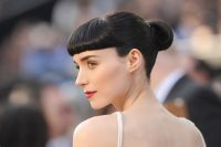 Celebrities Wonder 61074829_rooney-mara-oscar-2012_8.jpg