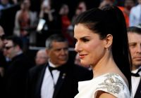 Celebrities Wonder 94598388_sandra-bullock-oscar-2012_3.jpg
