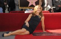 Celebrities Wonder 13198152_felicity-huffman-hollywood-walk-of-fame_6.jpg