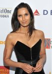 Celebrities Wonder 16402885_glaad-medi-awards_Padma Lakshmi 2.jpg