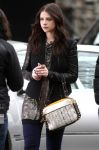 Celebrities Wonder 19025164_michelle-trachtenberg-set-gossip-girl_5.jpg