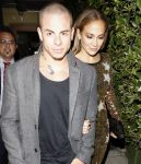 Celebrities Wonder 20256992_jennifer-lopez-dinner_7.jpg