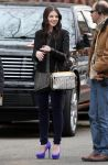 Celebrities Wonder 2351508_michelle-trachtenberg-set-gossip-girl_4.jpg