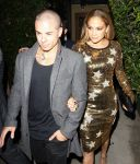 Celebrities Wonder 26526496_jennifer-lopez-dinner_5.jpg