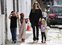 Celebrities Wonder 28435268_angelina-jolie-children_6.jpg
