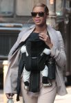 Celebrities Wonder 30763992_beyonce-blue-ivy_4.jpg