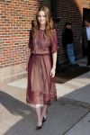 Celebrities Wonder 33195346_amanda-peet-letterman_1.jpg
