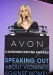 Celebrities Wonder 34924082_reese-witherspoon-avon-communications_6.jpg