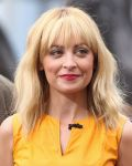 Celebrities Wonder 42516862_nicole-richie-fashion-star_8.JPG