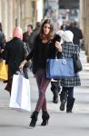 Celebrities Wonder 44605818_olivia-palermo-shopping_6.jpg