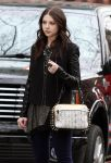 Celebrities Wonder 4619270_michelle-trachtenberg-set-gossip-girl_6.jpg
