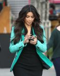 Celebrities Wonder 4901421_kim-kardashian-commercial_8.jpg