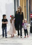 Celebrities Wonder 51244306_angelina-jolie-children_5.jpg