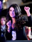 Celebrities Wonder 51366203_escape-total-rewards_Shenae Grimes 1.jpg