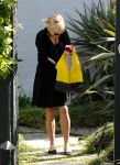 Celebrities Wonder 56485732_reese-witherspoon-brentwood_1.jpg