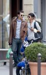 Celebrities Wonder 56620408_halle-berry-olivier-martinez_4.jpg