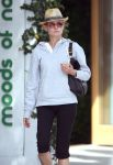 Celebrities Wonder 59216945_diane-kruger-shopping_7.jpg
