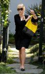 Celebrities Wonder 63114604_reese-witherspoon-brentwood_3.jpg