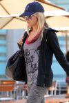 Celebrities Wonder 7869258_ashley-tisdale-gym_6.jpg