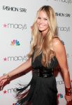 Celebrities Wonder 83621317_fashion-star-premiere-celebration_Elle Macpherson 3.jpg