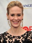 Celebrities Wonder 85445743_game-change-premiere_Sarah Paulson 2.jpg