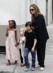 Celebrities Wonder 91398707_angelina-jolie-children_2.jpg