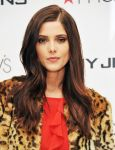 Celebrities Wonder 93098276_ashley-greene-macys-dkny_8.jpg