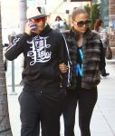Celebrities Wonder 96524586_Jennifer-Lopez-Casper-Smart_7.jpg