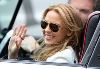 Celebrities Wonder 12543000_kylie-minogue-music-video_8.jpg