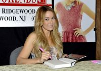 Celebrities Wonder 1330703_lauren-conrad-book-fame-game_7.jpg