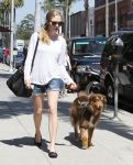Celebrities Wonder 13997535_amanda-seyfried-dog_2.jpg