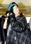 Celebrities Wonder 29036543_rihanna-airport-sydney_4.jpg