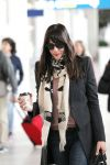 Celebrities Wonder 34311151_liv-tyler-airport-paris_3.jpg