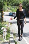 Celebrities Wonder 48297646_miley-cyrus-dog_1.jpg