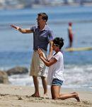 Celebrities Wonder 49281500_halle-berry-beach_7.jpg