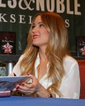 Celebrities Wonder 52715641_lauren-conrad-book-signing_4.jpg