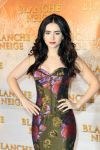 Celebrities Wonder 55701831_lily-collins-mirror-mirror-paris_4.5.jpg