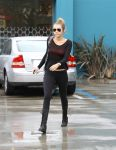 Celebrities Wonder 60189275_miley-cyrus-gym_4.jpg