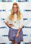Celebrities Wonder 62654276_carrie-undewrwood-SiriusXM_3.jpg