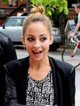 Celebrities Wonder 6435941_nicole-richie-national-jean-company_4.jpg