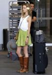 Celebrities Wonder 66138127_isabel-lucas-airport_2.jpg