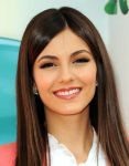 Celebrities Wonder 67562524_victoria-justice-kids-choice_8.jpg