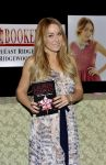Celebrities Wonder 67868003_lauren-conrad-book-fame-game_4.jpg