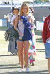 Celebrities Wonder 78936829_mischa-barton-coachella_2.jpg