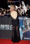 Celebrities Wonder 8156446_battleship-seoul-premiere_6.jpg