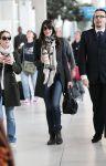 Celebrities Wonder 82824091_liv-tyler-airport-paris_2.jpg