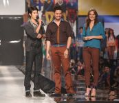 Celebrities Wonder 11116621_leighton-meeseter-Philippine-Fashion-Week_4.jpg